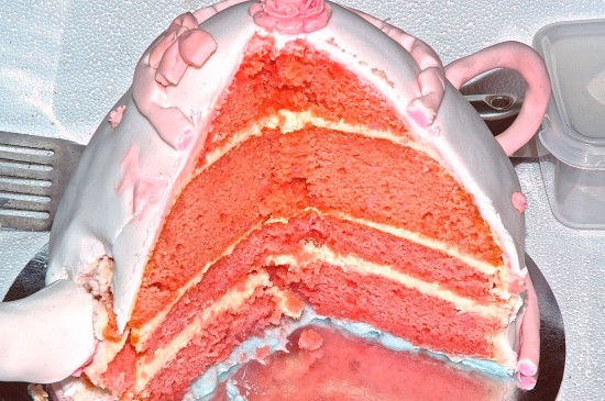 Construction details of the pink ribbon teapot cake finally revealed!  The bottom half was cooked in a cake tin, while the top half was cooked in a bowl.  It tasted as yummy as it looks!